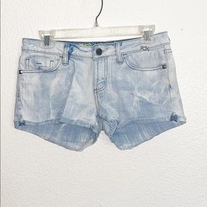 Fox Light Wash Cuff Hem Denim Shorts